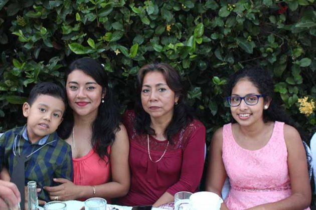 Emmanuel Santizo, Denisse Gálvez, Martha, Gaby Méndez.