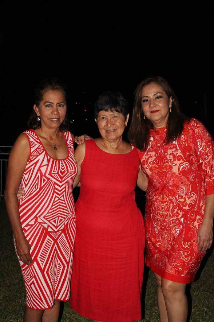 Ruth de la Cruz, Ilse Chang, Esperanza Pérez.