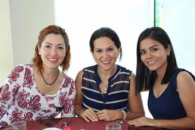 Michelle Cervantes, Citlali Toledo, Gladis Ramírez.