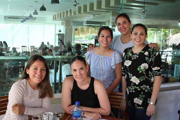 Gema Hansen, Lyly Castellanos, Martha Zelaya, Adriana Sánchez, Lola Reyero.