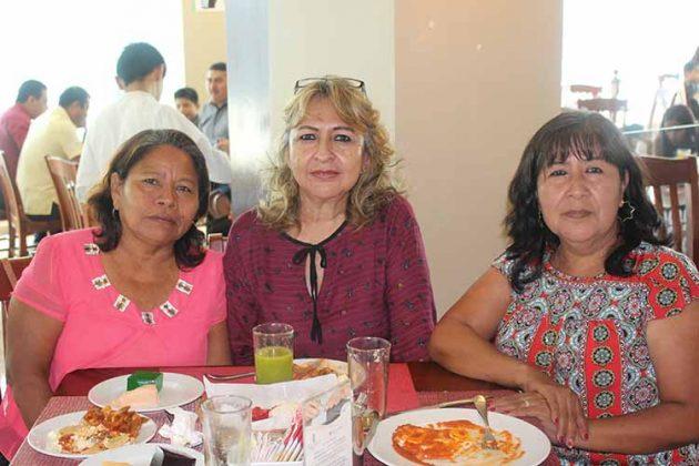 Bersy, Lulú Chávez, Conchita Cruz.