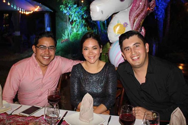 Jorge Ortiz, Frida Rentería, Ismael Candia.