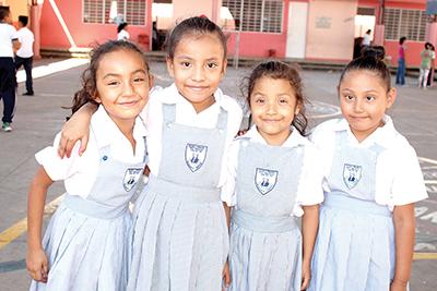Lourdes Edith, Ángela Zunún, Victoria Dimas, Yumara Flores.