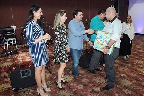 Celebran Castellanos y Martha Muñoz el 13 Aniversario del STDIF de Tuxtla