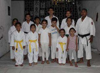 Karatecas Tapachultecos se Preparan