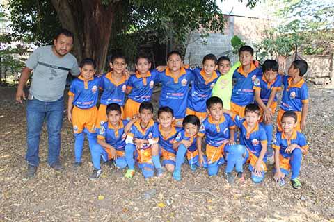 Coga FC Golea a Pumas