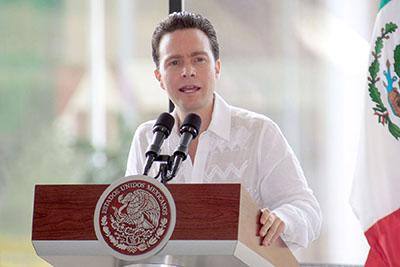 El gobernador Manuel Velasco reiteró que su administración seguirá abonando a la economía de los chiapanecos, porque su prioridad es el bienestar de las familias.