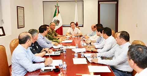 El gobernador Velasco encabezó una Mesa de Coordinación de Seguridad, donde destacó que aunque Chiapas está ubicado entre los más seguros del país, no se bajará la guardia para mantener la tranquilidad en las familias chiapanecas.