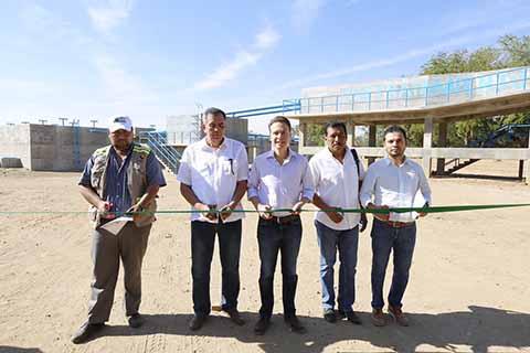 En gira por el municipio de Tonalá, el mandatario estatal señaló que con dicha obra, se reducirá el impacto de las aguas negras en este hábitat natural y atractivo turístico, de visitantes nacionales y extranjeros.