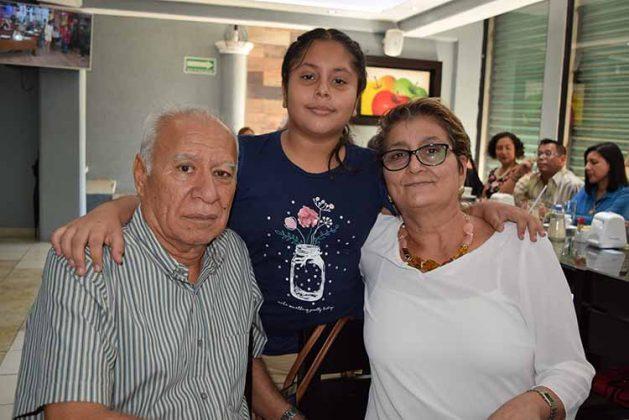 Alfredo Toledo, Irma Lormendez, Ana Tinajero.