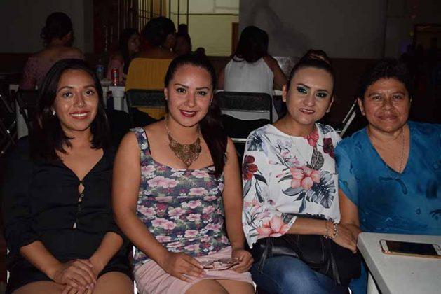 Yuli Torres, Vianey Escalante, Lizbeth Ceballo, Maribel Ramos.