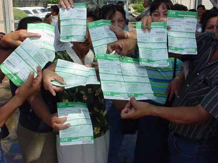 Fidel Carlos Gómez López, dirigente de CANACINTRA en las regiones Costa, Sierra y Frontera Sur de Chiapas; anunció que el sector empresarial del Soconusco se declarará en resistencia civil por el abuso que viene cometiendo la CFE.