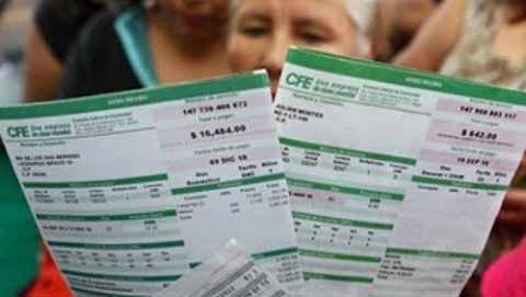 """Comisión Reguladora Revisará Aumentos """"Erráticos"""" en Electricidad"""