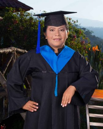 Ángela Ideth González Espinosa, Maestra en Administración en Sistemas de Salud.