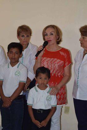 Leticia Velasco de Coello.