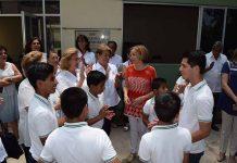 Los primeros beneficiaros de estas instalaciones agradecieron a doña Leticia Coello de Velasco el apoyo para hacer posible esta obra.