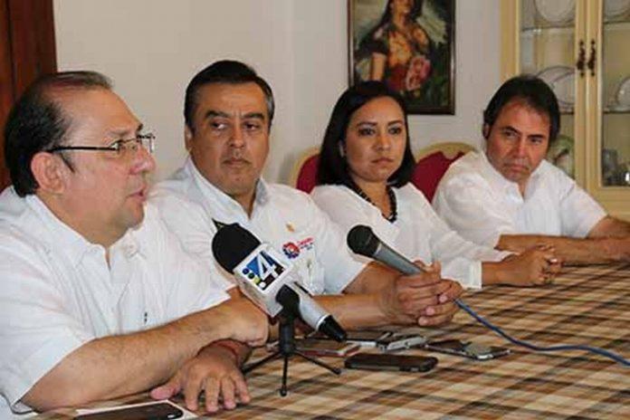 El vicepresidente de CANACINTRA en la República Mexicana, Mario Lozoya Díaz Vélez, lamentó el trato que el gobierno federal viene dando a la Frontera Sur, sobre todo relacionado en los grandes proyectos como la Zona Económica Especial y el Parque Agroindustrial.