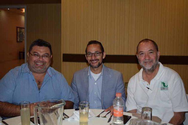 Jorge García, CIME de Yucatán; Gabriel Estrada, presidente de CIME de Michoacán, Gerardo Rubí Olvera, integrante de la Junta de Honor de FECIME.