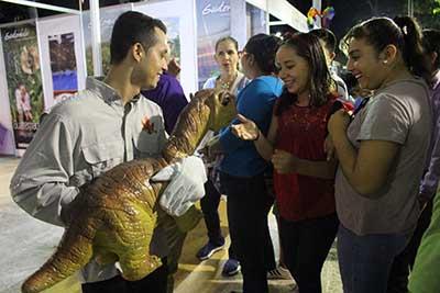 Música Electrónica, Ajedrez y Dinosaurios alegraron la penúltima noche de la Expo Feria Tapachula 2018, mientras que en el Palenque Julión Álvarez refrendó su popularidad.