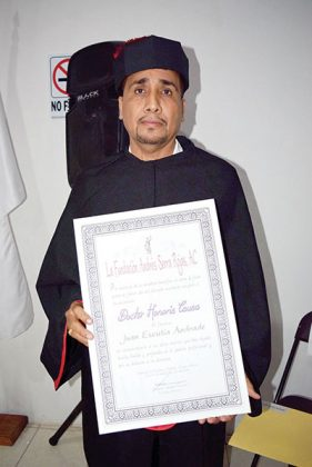 Juan Escutia Andrade.