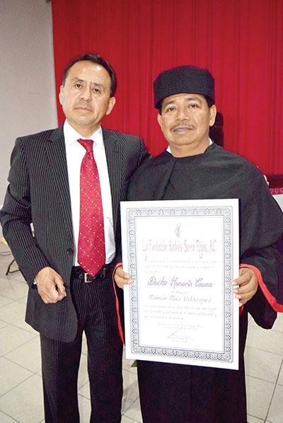 Armando Calzada, presidente Honorifico de la Fundación Andrés Serra Rojas A.C.; Ramón Ruiz Velázquez, presidente del Colegio de Contadores Públicos de Chiapas.
