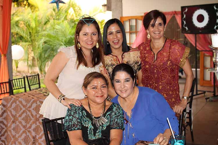 Zussette Barrios, Mary de Cortés, Ale Bedoya, Lety Barcena, Berenice Palomeque.