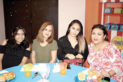 Ximena Segovia, Ana Morales, Yeseli Chávez, Flor Márquez.