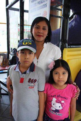 David Franco, Norma Ruiz, Azul Franco.