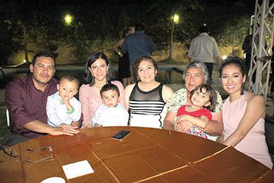 Familia Tello Pinto.