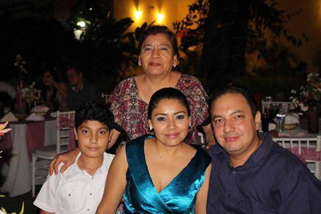 Abel, Dulce Aquiahuatl, Julieta Herrera, Abel Campuzano.