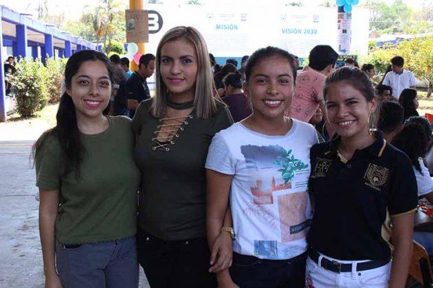 Jazmine Díaz, Maxeli Hernández, Cristina Abado, Yetzubeli Ríos.
