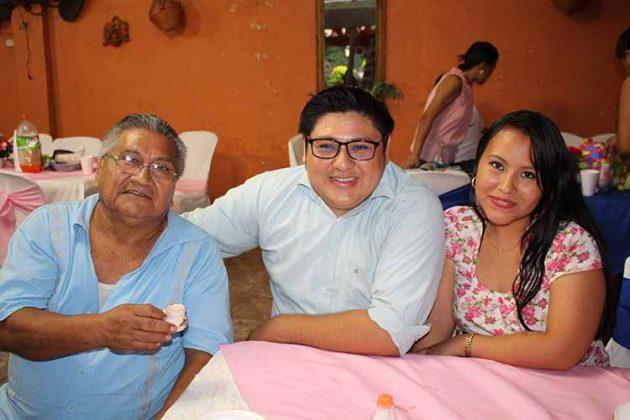 Romeo Bautista, Nervi Reyes, Yuridiana Arriaga.