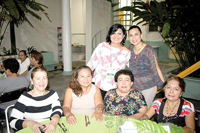 Dora Ballinas, Lupita, Lilia Damián, Martita Mitzui, Conchita Guillén, Carina Martínez.