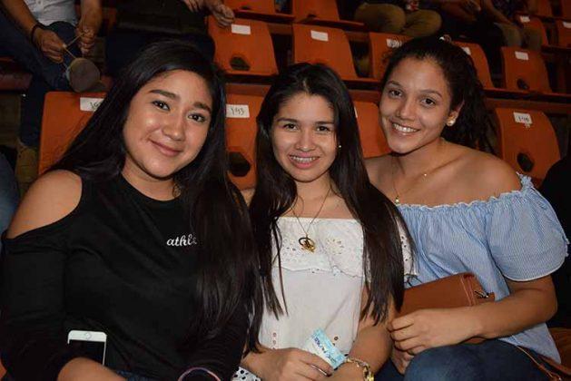 Marian Gómez, Dafne Liy, Monserrat Villegas.