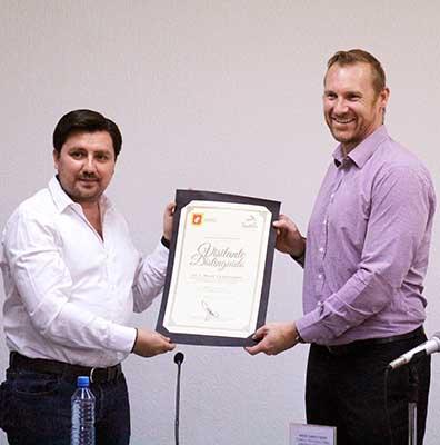 Recibe Fernando Castellanos al Cónsul Regional de Australia