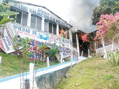 Incendio Acaba con Iglesia y Radiodifusora