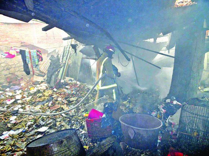 Incendio de Fogón Movilizó a los Bomberos
