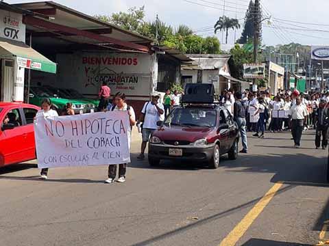 Marchan en Cacahoatán Exigiendo Reconstrucción de Escuelas