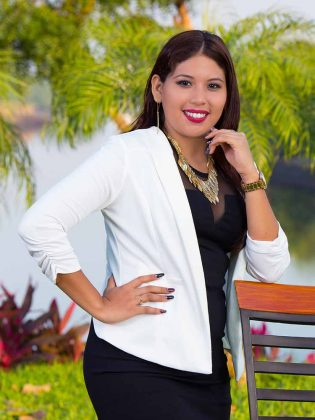 Martha Magdalena Vera Martínez, Licenciada en Derecho.