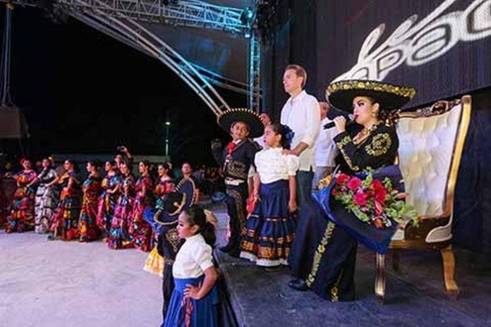 El Gobernador Velasco encabezó la inauguración de la muestra más importante del Soconusco, a la que destacó como por ser un emblema cultural de la frontera sur; así mismo inauguró la Exposición Ganadera Tradicional Tapachula 2018, donde hizo entrega de ganado con registro genealógico.