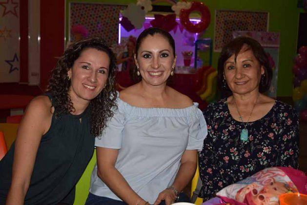 María Rojas, Clarissa, Clarita Becerril.