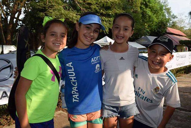 Camila Marín, María, Galicia García, Santiago Patiño.
