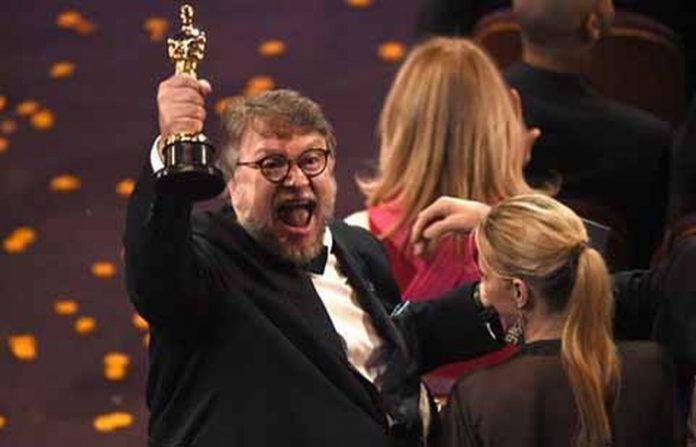 """El cineasta mexicano, Guillermo del Toro, logró 4 premios Oscar con su película """"La forma del Agua"""", y en su discurso mandó un mensaje directo a Donald Trump y su política migratoria:"""