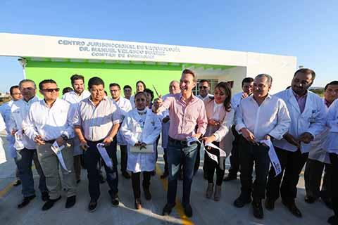 El Gobernador Velasco inauguró el Centro Jurisdiccional de Vacunología en Comitán de Domínguez, el cual atenderá a nueve municipios y beneficiará a más de 500 mil habitantes; además cuenta con instalaciones de primera y personal en constante capacitación