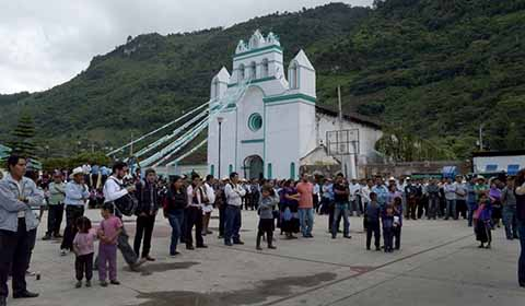 Continúa Atención a Familias Desplazadas del Ejido Puebla