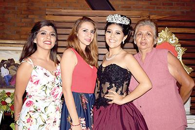 Bethy Ortiz, Andrea Aguirre, Vanesa, Beethy Ortiz.