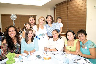 Lupita Esquinca, Mary Mendoza, Rita Mortera, Hilda Pérez, Amadita Montiel, Dany Cruz, Teresita Cal y Mayor, Paola Guevara.