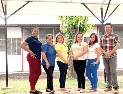 Mayra Ruiz, Mabel López, Paola De la Cruz, Karen López, Nataly Gálvez, Carlos Monterrosa