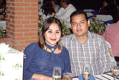 Brenda Robledo, Erik Burela.