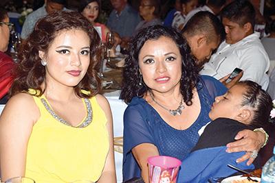 Adhara Ramírez, Cecilia Muñoz.